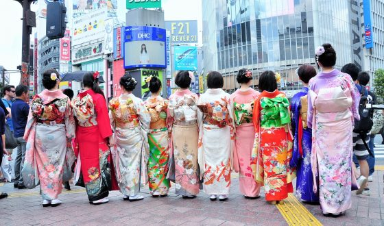 Dress in Kimono & Take Pictures at Shibuya Crossing
