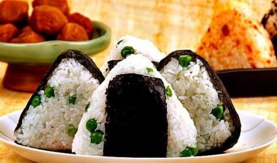 how to make onigiri