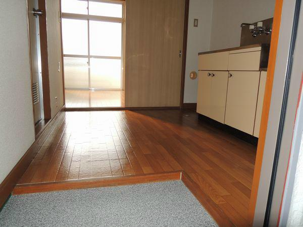 how much is an apartment in japan